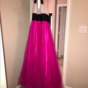 Dresses & Skirts - Pearl and pink formal dress